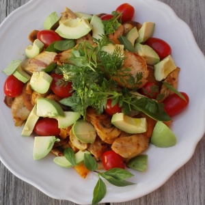 gegrilde kip in goed gezelschap van Mr. A & tomaat